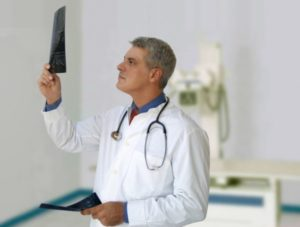 Врача какой специальности нужно искать при артрите