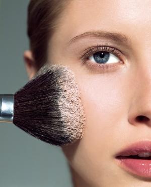 Декоративная косметика для проблемной кожи