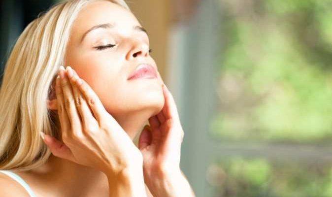 Выбираем косметические масла для лица: полезные эффекты и показания для применения