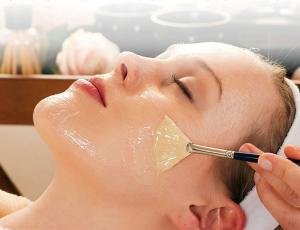 Применение косметики с фруктовыми кислотами для проблемной кожи