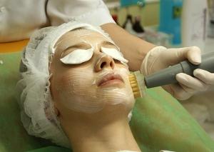 Виды чистки лица у косметолога: броссаж