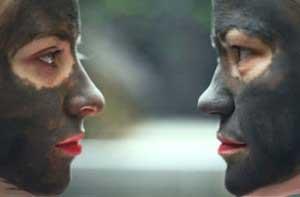 Как делать маску из черной глины?