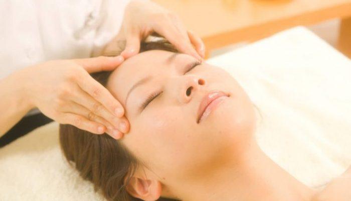 Шиацу: быстрый массаж для омоложения лица