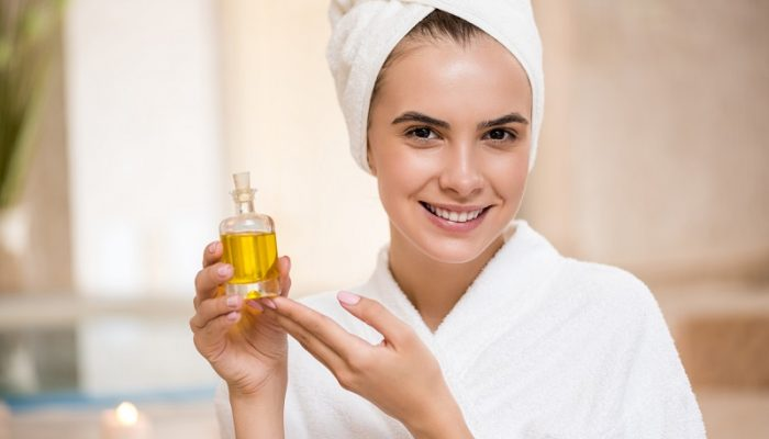Как использовать льняное масло для лица и тела? Полезные эффекты и народные рецепты