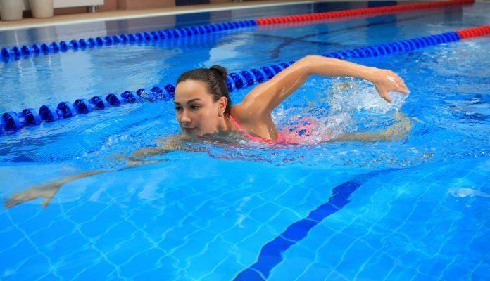 Помогает ли плавание от целлюлита?