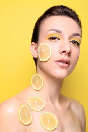 Мёд и лимон против черных точек