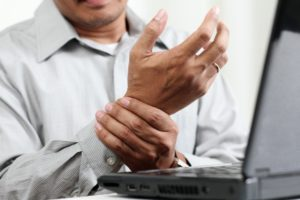 Острый артрит: причины