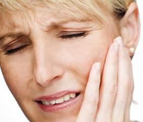 Артрит челюстно лицевого сустава: симптомы