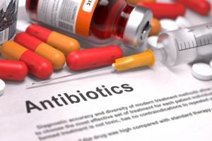 Помогают ли антибиотики от прыщей