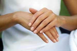 Как омолодить руки с помощью масок?