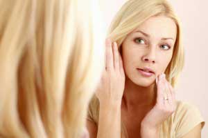 Как вывести жировик, появившийся на лице?