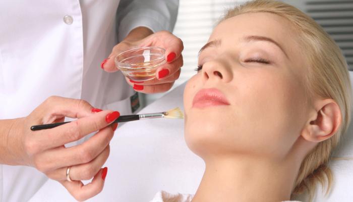 Как избавиться от прыщей на лице? Выясняем причины и подбираем способы быстрого лечения