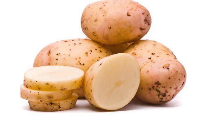 Как правильно делать маску из картофеля для лица? Полезные рецепты от прыщей и морщин