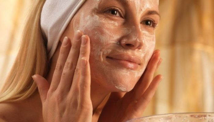 Как очистить лицо в бане? Рецепты масок