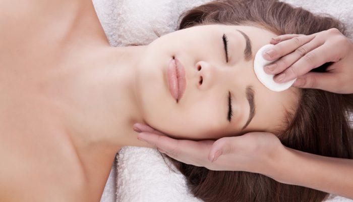 Как провести кислотный пилинг для лица?