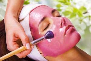 Как правильно наносить маски на лицо?