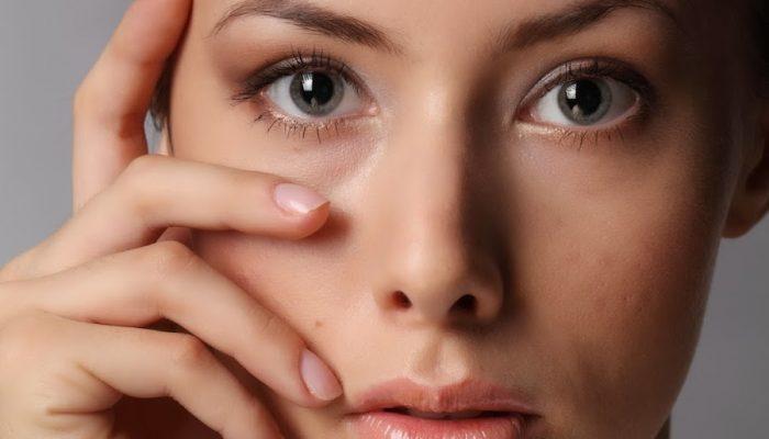 Темные пятна и пигментация вокруг глаз: причины