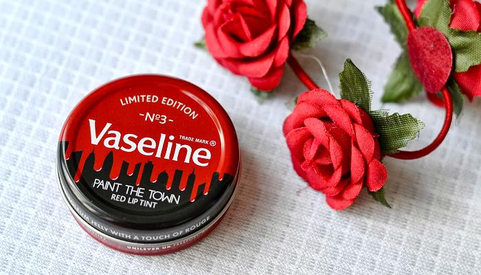 Вазелиновое масло и вазелин от морщин, прыщей и вокруг глаз