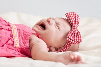 Почему грудничок плачет фото