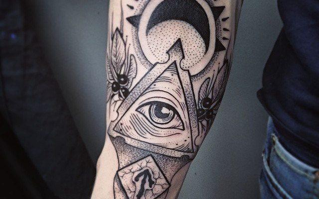Как замаскировать татуировку?