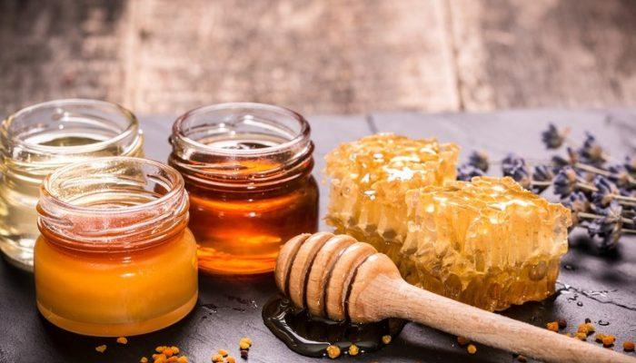 Аллергия на мед: симптомы у взрослых и у детей