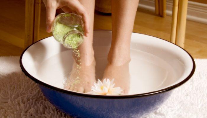 Чем лечить натоптыши на пальцах ног и как избавиться навсегда?
