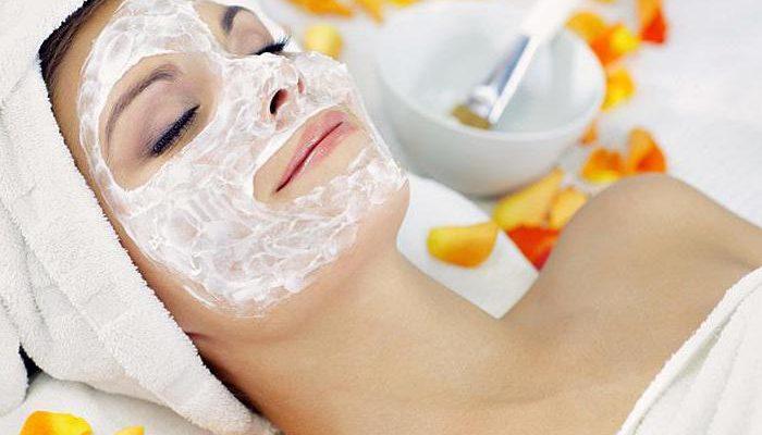 Лучшие рецепты масок для лица из творога для сухой кожи и от морщин