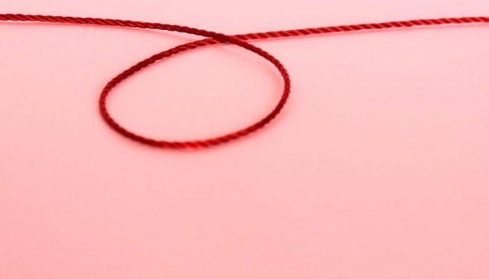 Что будет, если перевязать папиллому ниткой? Эффективность способа и возможные осложнения