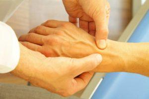 Реактивный полиартрит: симптомы