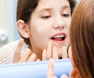 Как использовать мазь левомеколь при лечении угрей и угревой сыпи