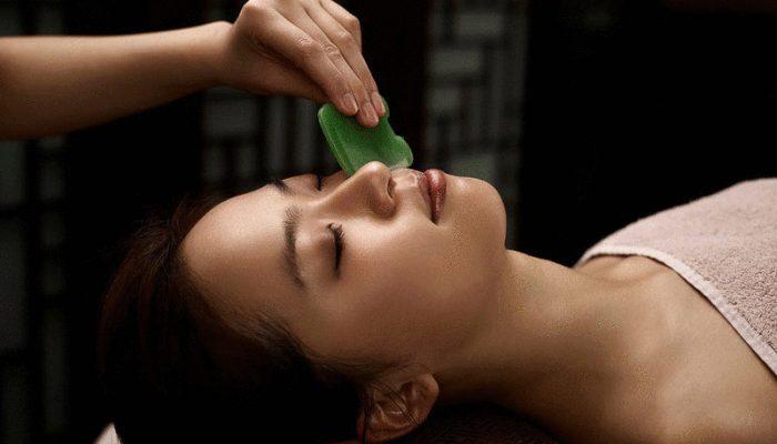 Китайский массаж Гуаша для омоложения лица