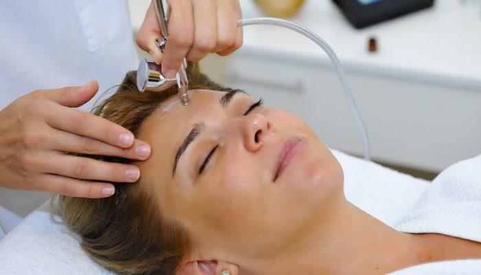 Себорея и себорейный дерматит на лице: причины и лечение