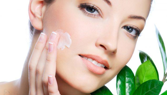 Увлажняющий крем для чувствительной кожи лица