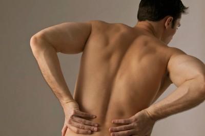 Причины болей в почках у мужчин и женщин