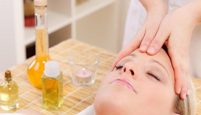 Как выбрать масло для массажа лица? Подбираем средство в зависимости от цели и типа кожи
